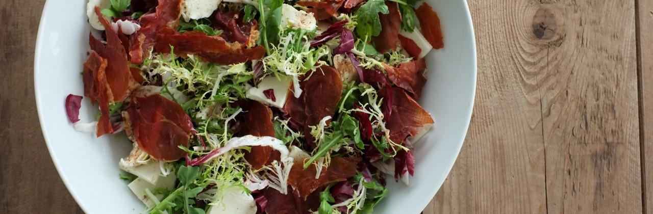 Salad with Crispy Prosciutto and Fresh Mozzarella