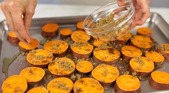 Roasted sweet potato coins-04