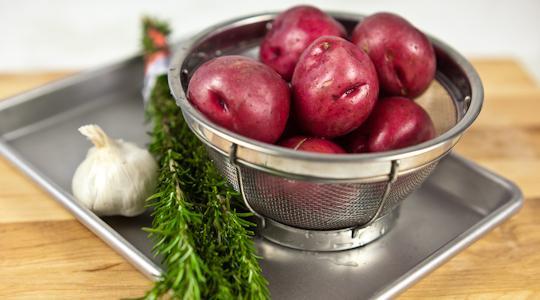 Roasted rosemary potatoes-01