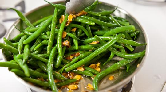 Green beans with almonds-11