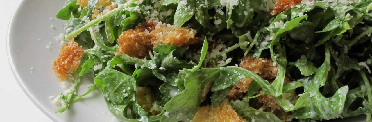 Arugula Salad with Creamy Garlic Dressing