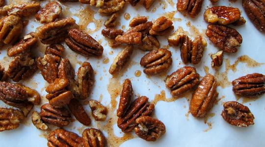 Sweet-and-spicy-pecans-00