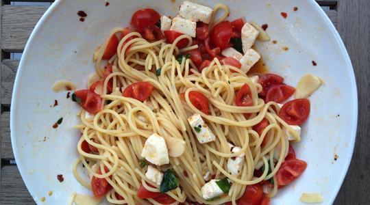 Tomato mozzarella pasta-03