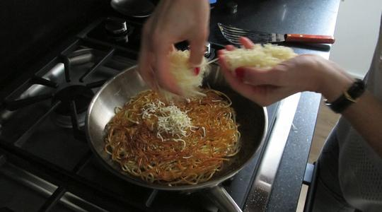 Fried pasta and eggs-07