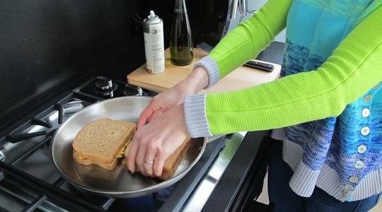 Grilled cheese sandwiches-04