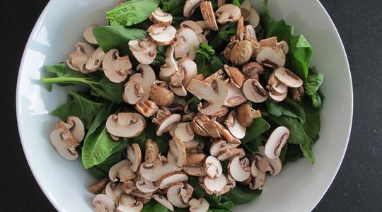 Warm spinach salad-03