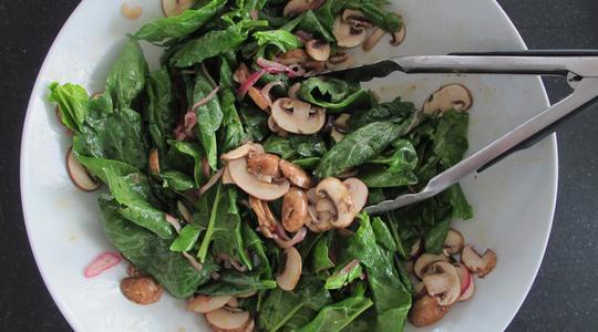 Warm spinach salad-08