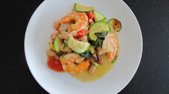 Garlic shrimp with zucchini and tomatoes-05