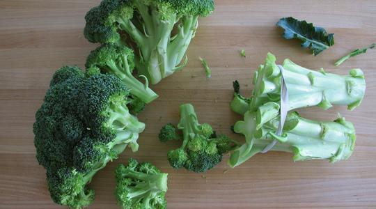 Charred broccoli-01