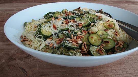Pasta with pine nuts and zucchini-07