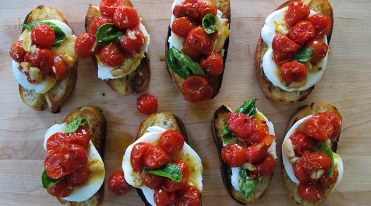 Roasted tomato bruschetta-06