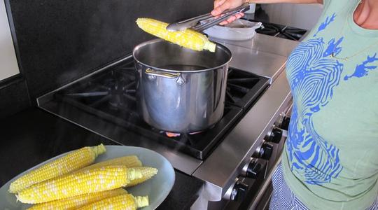 Parmesan corn on the cob-03