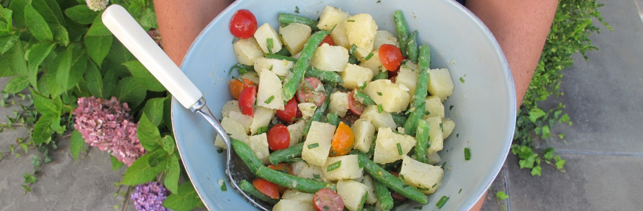 Summer Potato Salad with Green Beans and Tomatoes