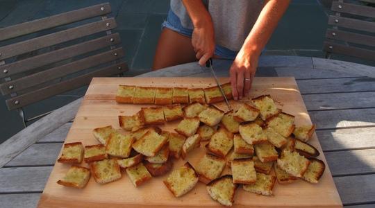 Garlic bread 2 ways-00-2