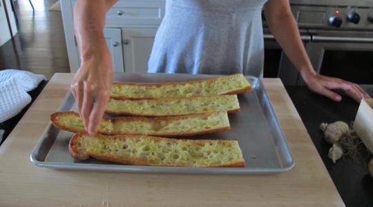 Garlic bread 2 ways-05
