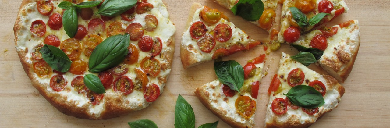 Cherry Tomato Pizza with Fresh Mozzarella
