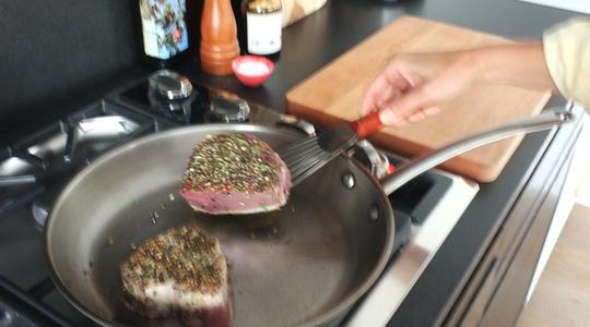 Seared peppercorn and rosemary crusted tuna-06