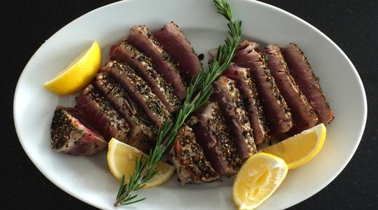 Seared peppercorn and rosemary crusted tuna-07