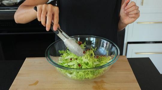 Frisee salad-09