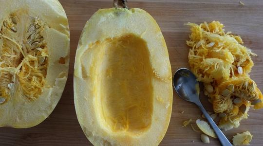 Spaghetti squash with parmesan  toasted garlic breadcrumbs-01