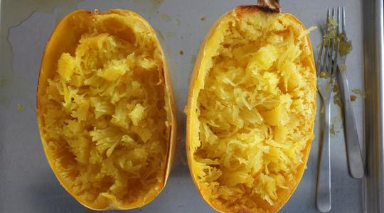 Spaghetti squash with parmesan  toasted garlic breadcrumbs-06