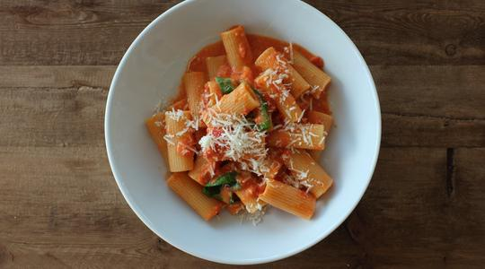 Rigatoni alla vodka-11