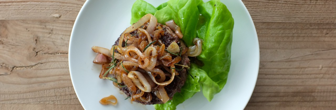 Hamburger with Shallots and Rosemary