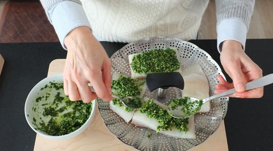 Pesto parsley steamed halibut-08