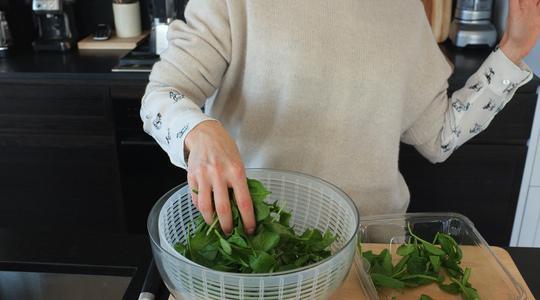 Quinoa bowl-pomegranate, spinach-02