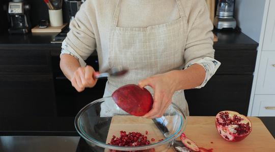 Quinoa bowl-pomegranate, spinach-05