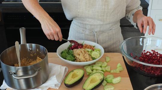 Quinoa bowl-pomegranate, spinach-11