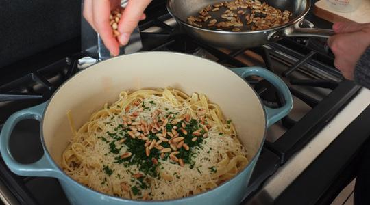 Pine nut and parsley pasta-09