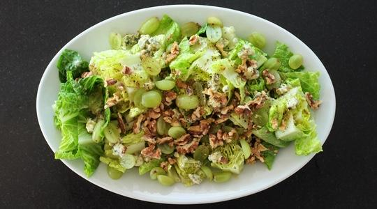 Romaine hearts with blue cheese vinaigrette, grapes  walnuts-08