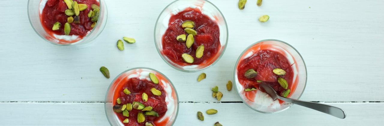 Strawberry-Rhubarb Yogurt Cups