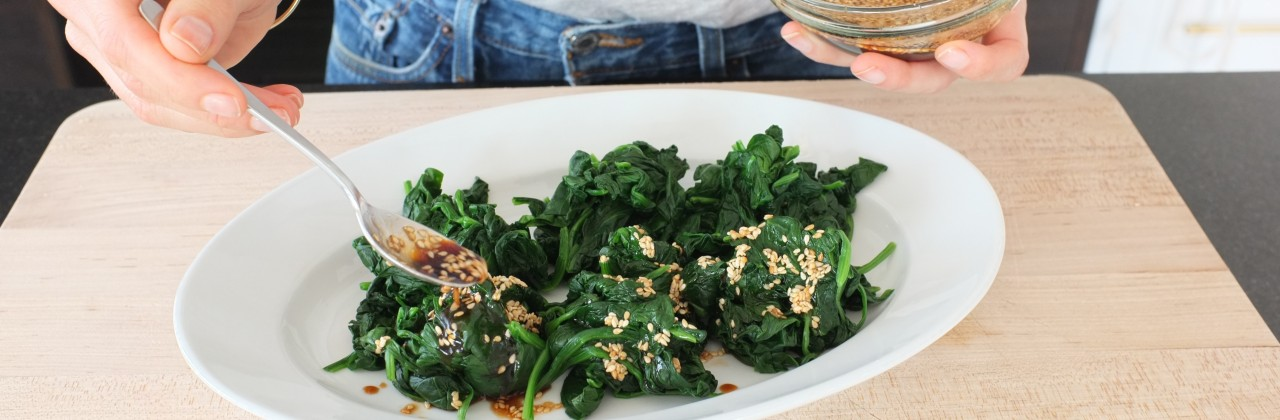 Steamed Spinach with Sesame Dressing