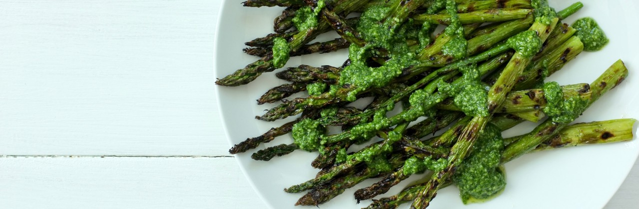 Grilled Asparagus with Pesto