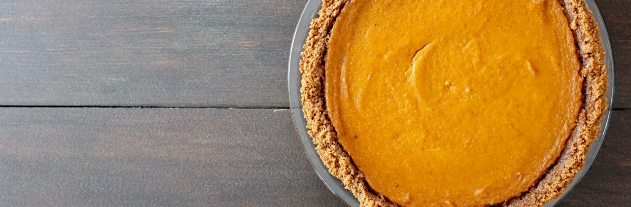 Vegan Maple Pumpkin Pie with Gingersnap Crust